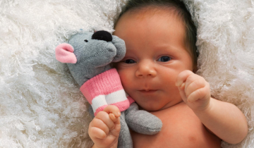 Metodo Montessori: il gioco nei primi mesi di vita