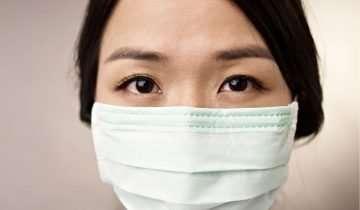 Beauty routine per contrastare acne e irritazioni da mascherina