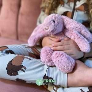 Abbigliamento in cotone bio Malinami e peluche Jellycat per Frida Project